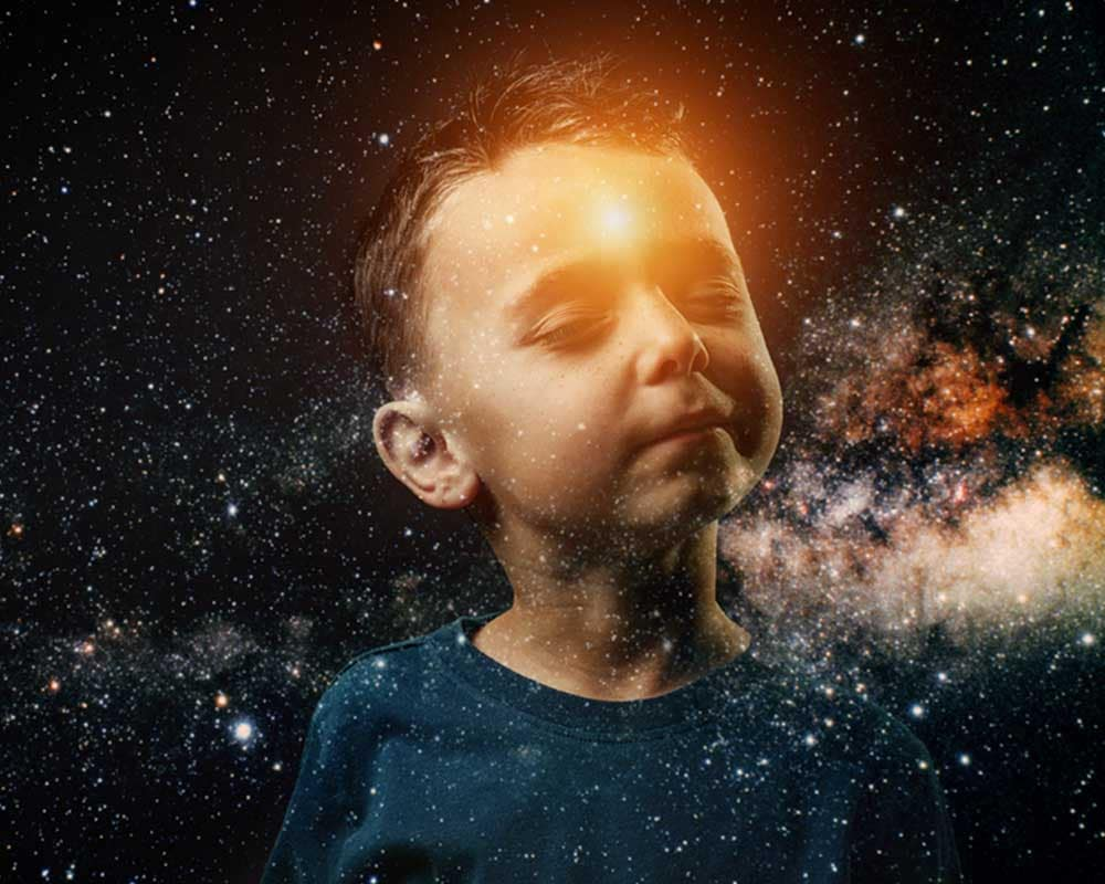 a small child whose light shines in his forehead. He imagines hi